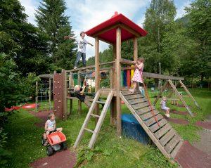 Kletterburg, Rutsche, Spielplatz Residenz Gruber Böckstein